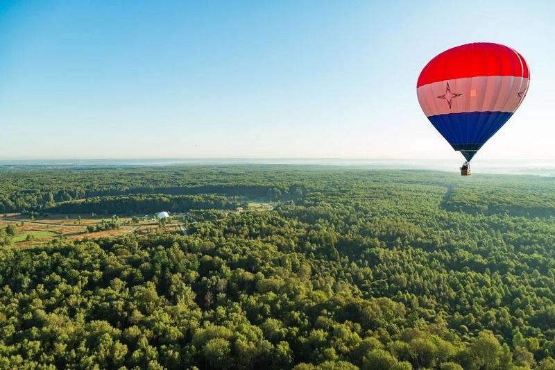 Фёдор Конюхов - первый россиянин, совершивший кругосветный полёт на воздушном шаре.