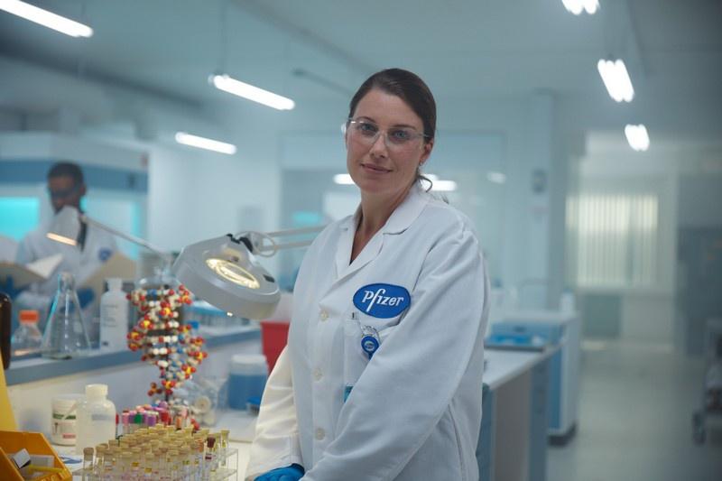 Вакциной от BioNTech-Pfizer планируется прививать весь Евросоюз.