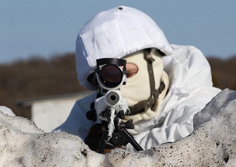 Снайперы ЮВО впервые отрабатывают поражение воздушных целей с кузовов движущихся автомобилей.