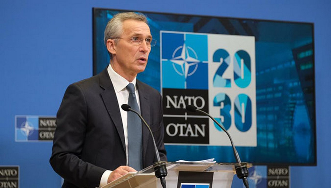 Генсек НАТО Йенс Столтенберг удостоился чести поиметь телефонный разговор с новым хозяином Белого дома.