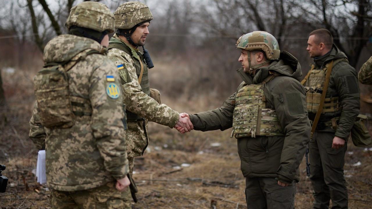 Президент Владимир Зеленский встретился с военнослужащими в зоне проведения операции в Донецкой области.