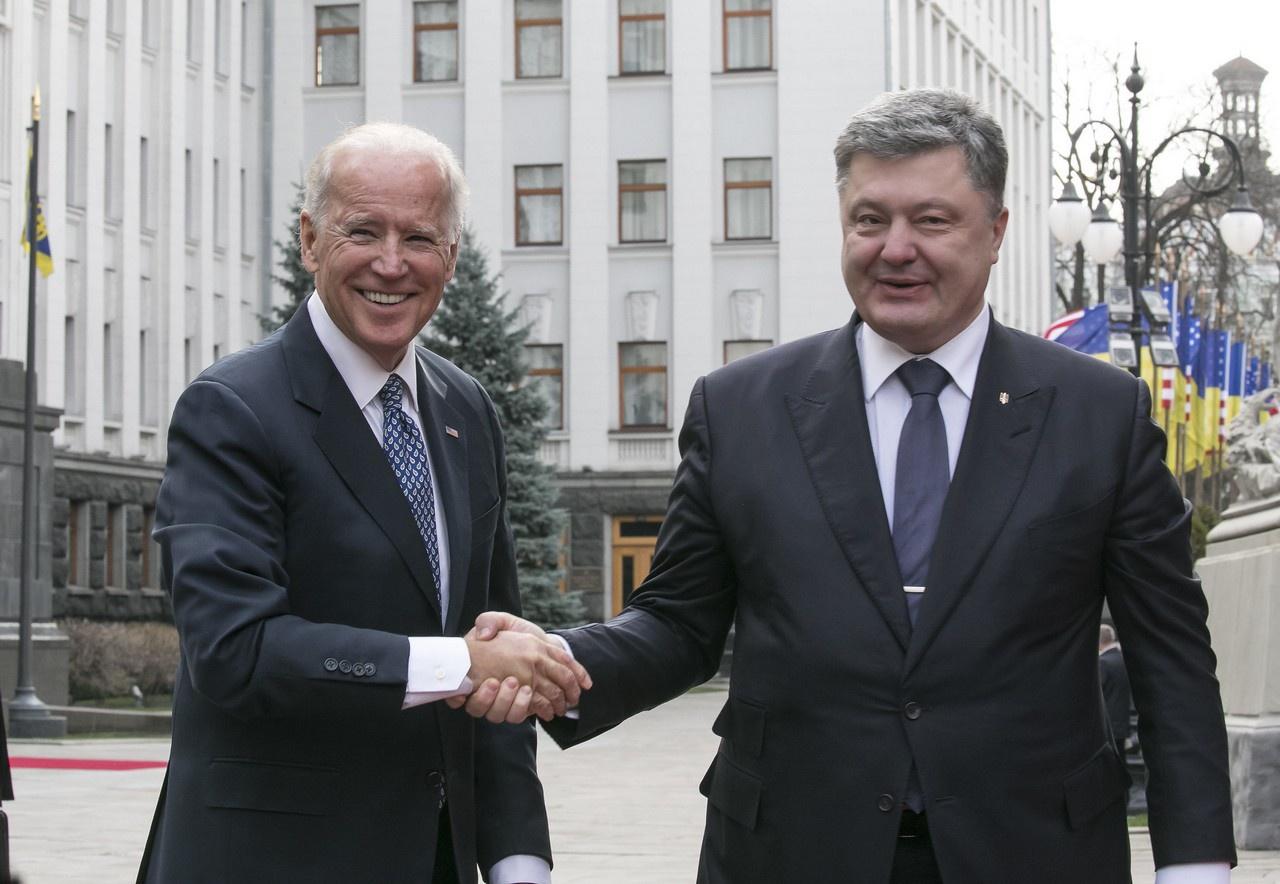 Джо Байден и Пётр Порошенко. Киев.