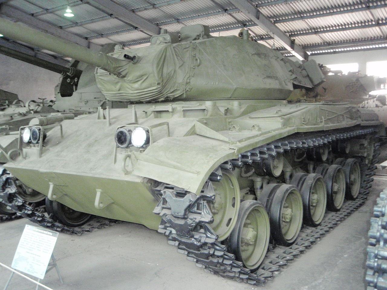 Танк M41 «Walker Bulldog» в Бронетанковом музее в Кубинке.