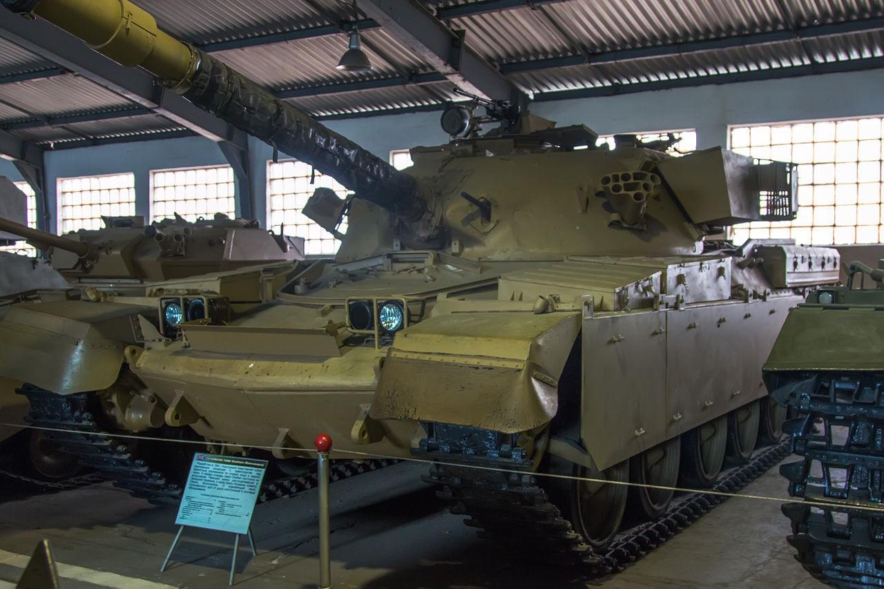 МК-5 «Чифтен» в Бронетанковом музее в Кубинке. Танк захвачен Ираком в ходе ирано-иракской войны и передан СССР.
