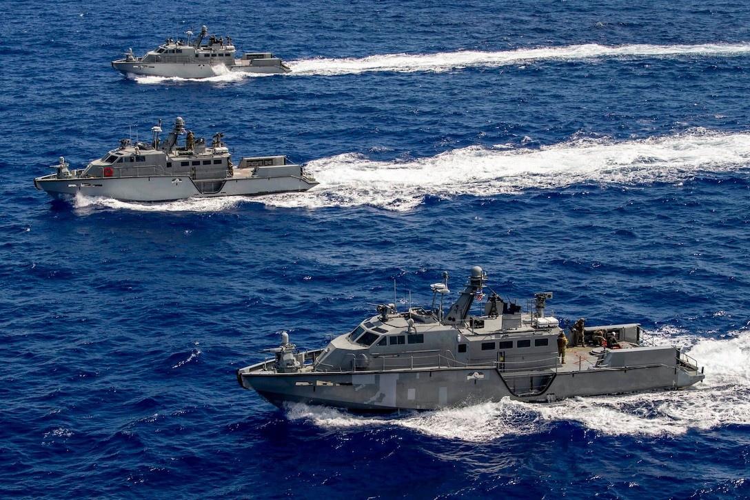 Патрульные катера ВМФ Mark VI во время учений в Тихом океане.