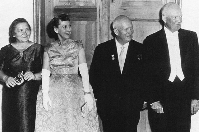 Визит Никиты Хрущёва в Америку. На государственном ужине в Белом доме. 27 сентября 1959 года.