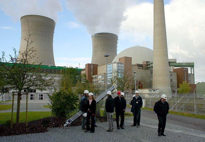 Немцы отказались от ядерной энергетики, запланировано прекратить эксплуатацию всех немецких АЭС до 2030 года.