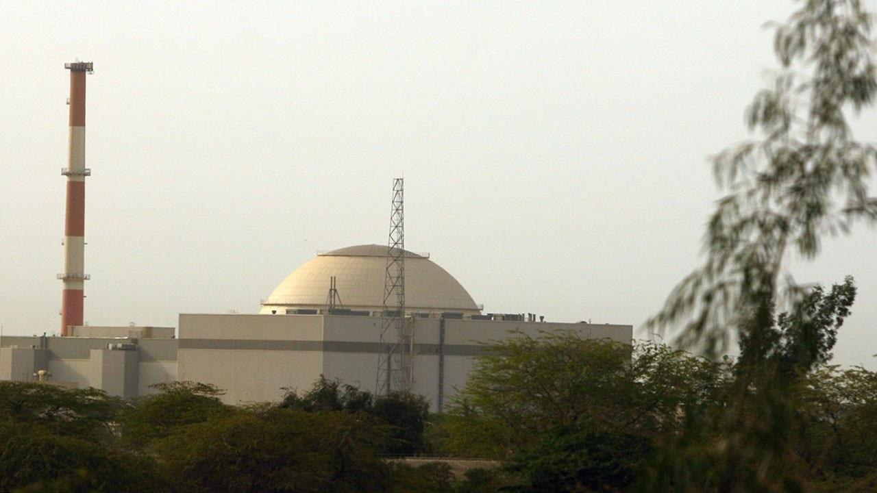 Сейчас в Иране работает около 500 центрифуг, а в марте их число удвоится, причём за счёт более новых и совершенных аппаратов.