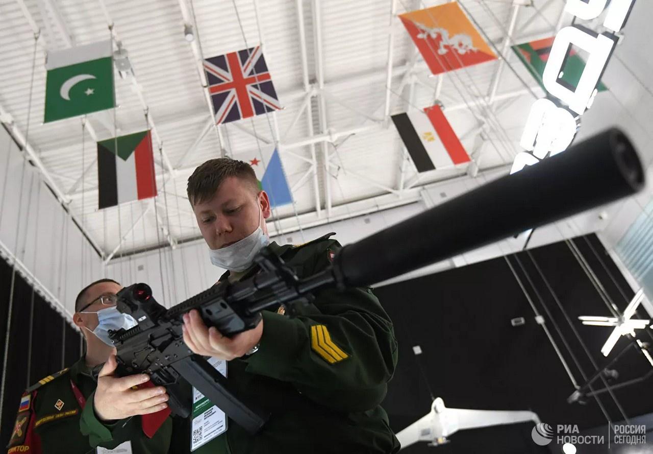 Новый вариант автомата Калашникова АК-19.