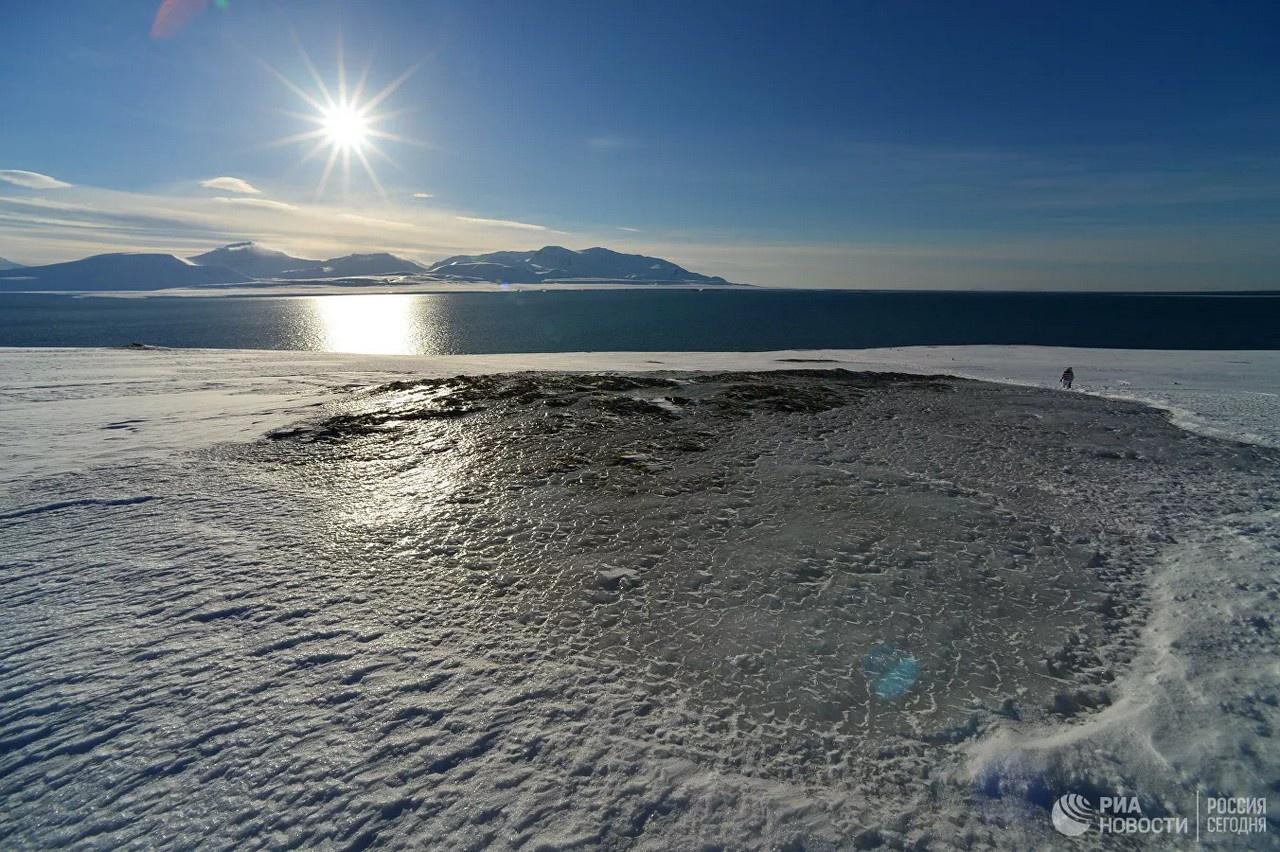 Исследователи Института вычислительной математики имени Г.И. Марчука РАН рассчитали: рост содержания парниковых газов в атмосфере к концу XXI века приведёт к повышению на 20 градусов среднегодовой температуры воздуха в Арктическом бассейне.