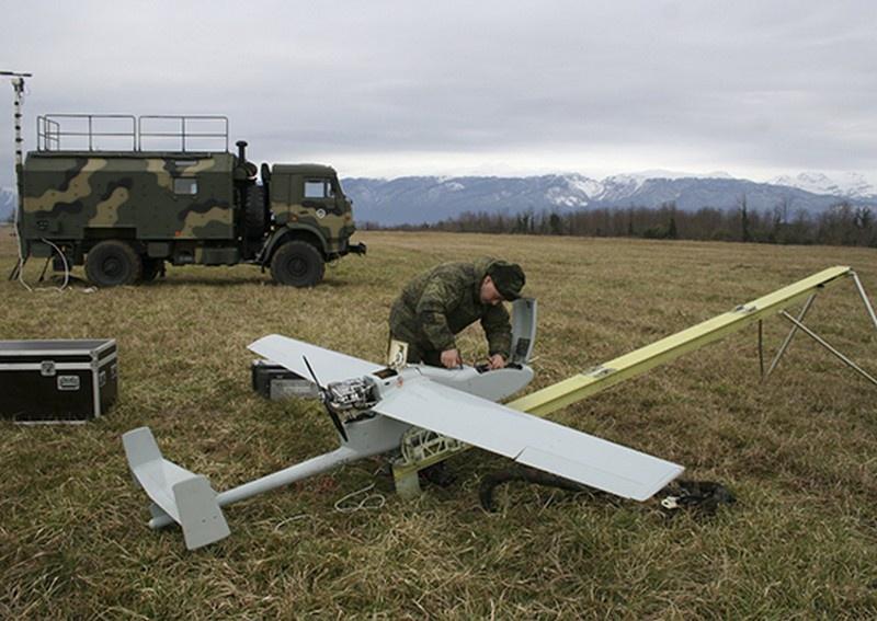 Военнослужащие ЮВО обезвредили ударные дроны условного противника на побережье в Абхазии.
