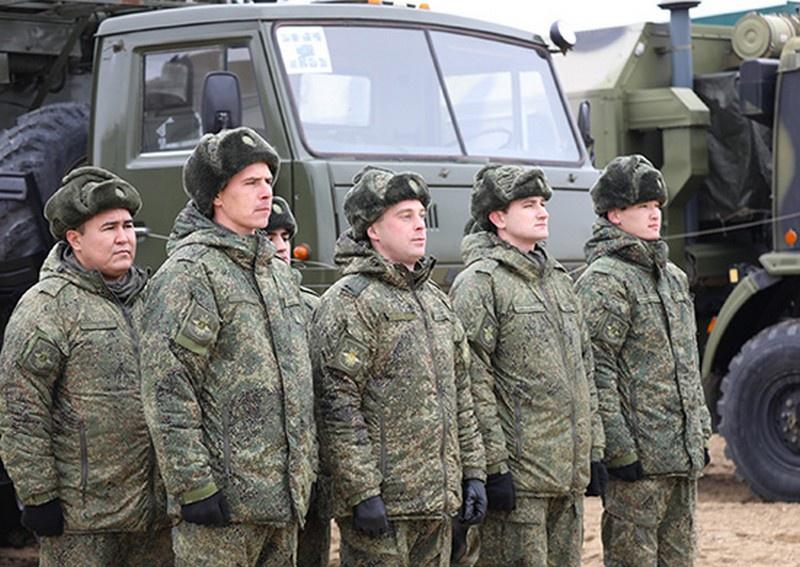 Специалисты войск РЭБ Каспийской флотилии в ходе учения подавили связь условного противника современными станциями «Синица».