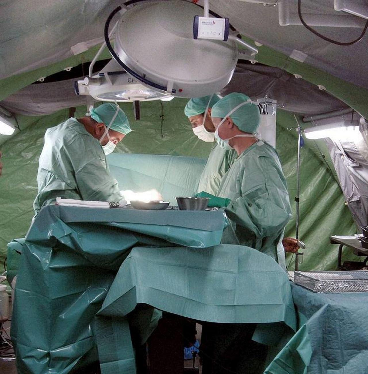 Полевой госпиталь в Сирии.