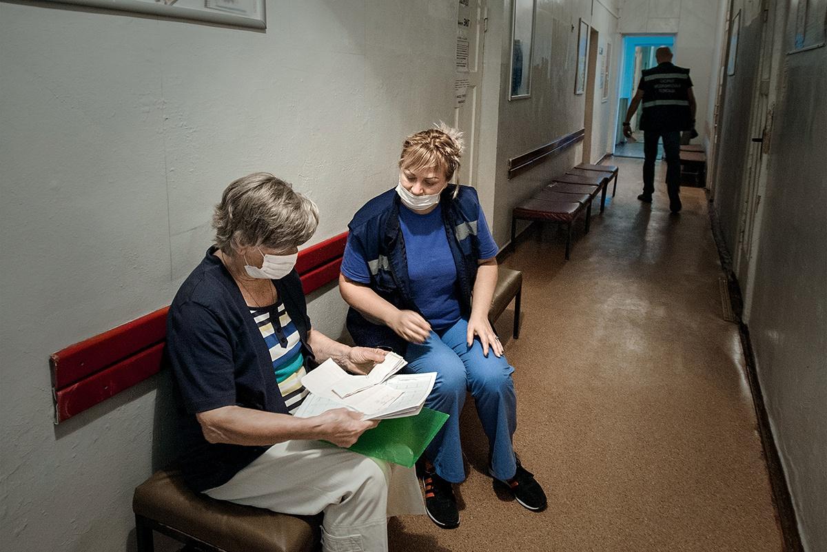 В поликлинике у больной ЭКГ показала предынфарктное состояние.