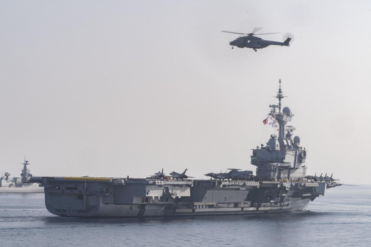 Главной мишенью для отработки мастерства наших лётчиков в Чёрном море Пентагон выделил эсминец «Дональд Кук».