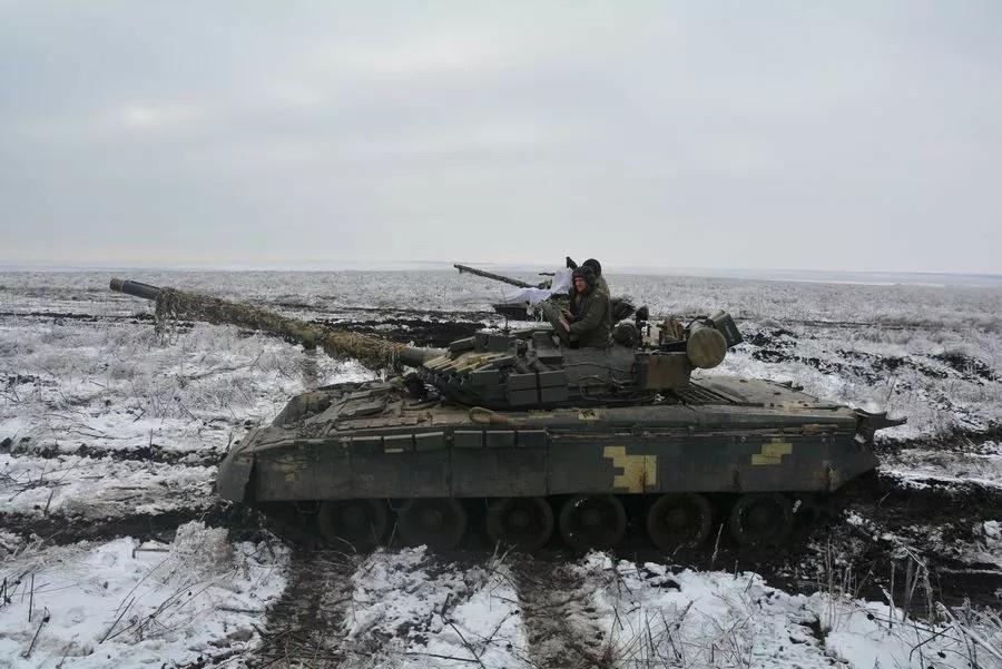Украинцы усиливают обстрелы жилых районов, устраивают локальные боестолкновения.