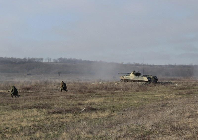 На полигоне Раевский в Краснодарском крае завершилось тактическое учение военнослужащих противотанковой батареи гвардейского десантно-штурмового Кубанского казачьего полка гвардейского горного соединения ВДВ.