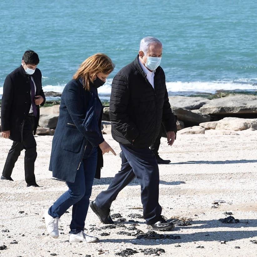 Первой об источнике загрязнения средиземноморского побережье Израиля заговорила израильский министр окружающей среды Гила Гамлиэль.