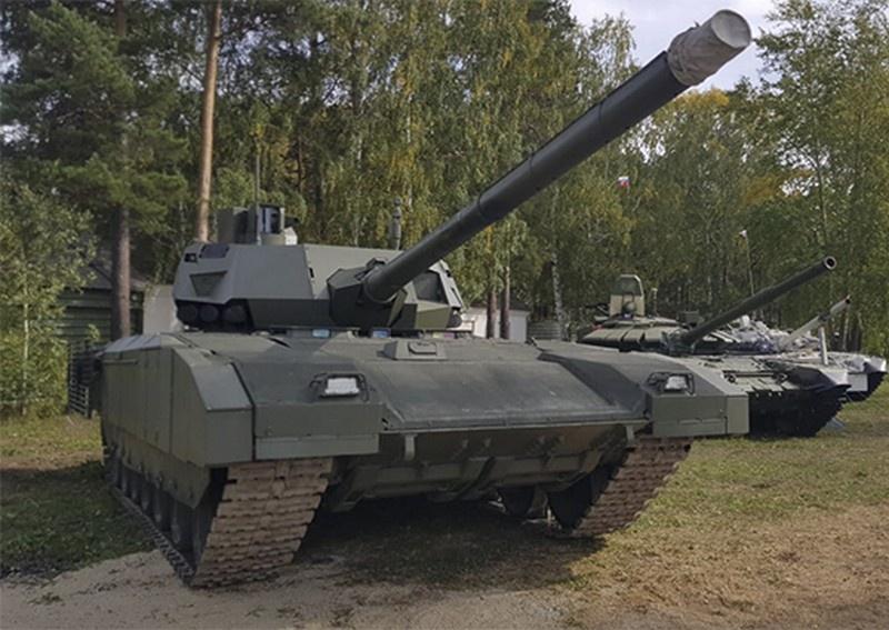 Танк Т-14 «Армата» тестировался в беспилотном режиме.