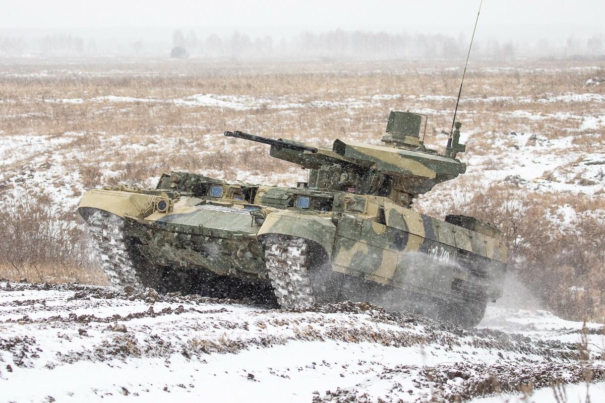 «Терминатор» - многоцелевая высокозащищённая боевая гусеничная машина огневой поддержки, способная поражать легкобронированные цели.