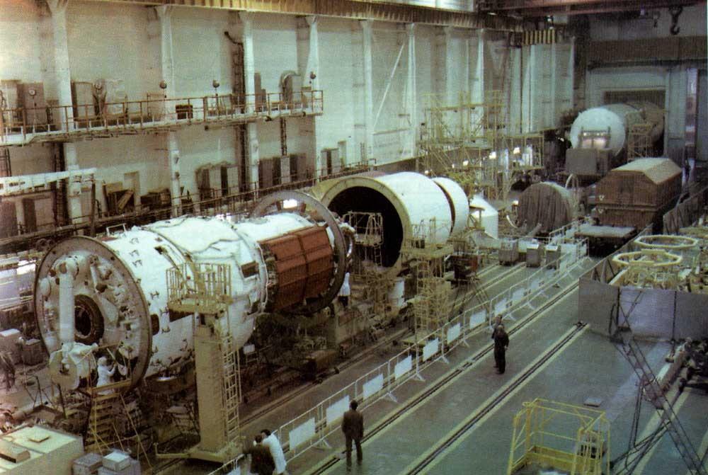 Подготовка к запуску станции «Мир».