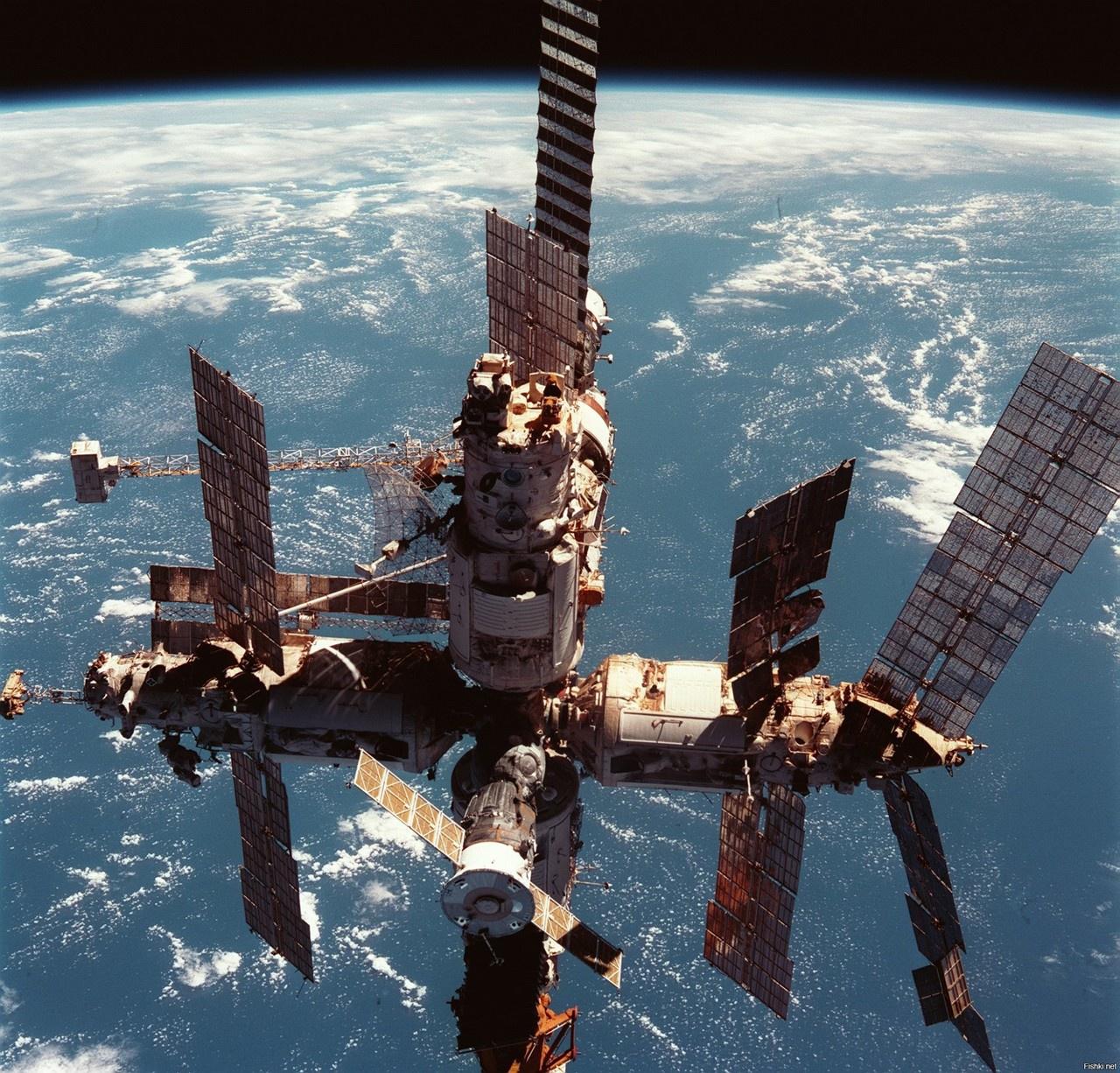 Станцию «Мир» называли космическим домом науки во Вселенной.
