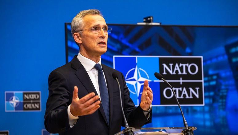 Йенс Столтенберг в своей организации сделал ставку на половых извращенцев, возможно в скором времени появится новое подразделение НАТО-ЛГБТ.