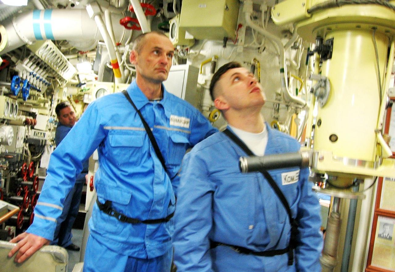 Шестнадцать лет службы на «железе» - основательная выдержка офицерского и подводницкого характера.