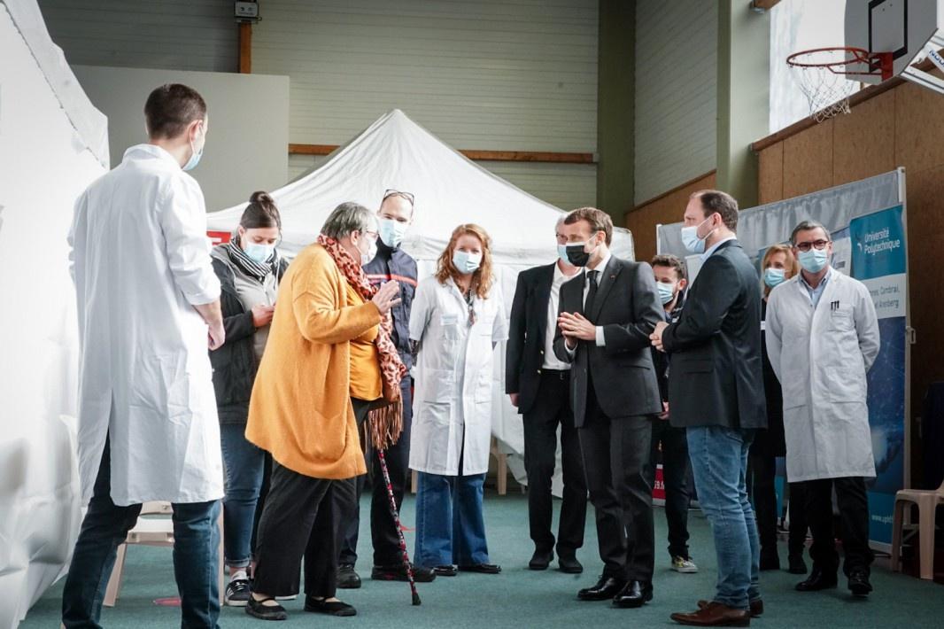 Пандемия бушует второй год, и вот Макрон проснулся и призвал Евросоюз сделать, наконец-то, собственную вакцину.
