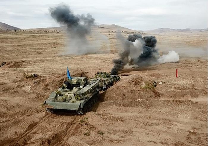 В Бурятии порядка тысячи военнослужащих ВВО приняли участие в тактическом учении.