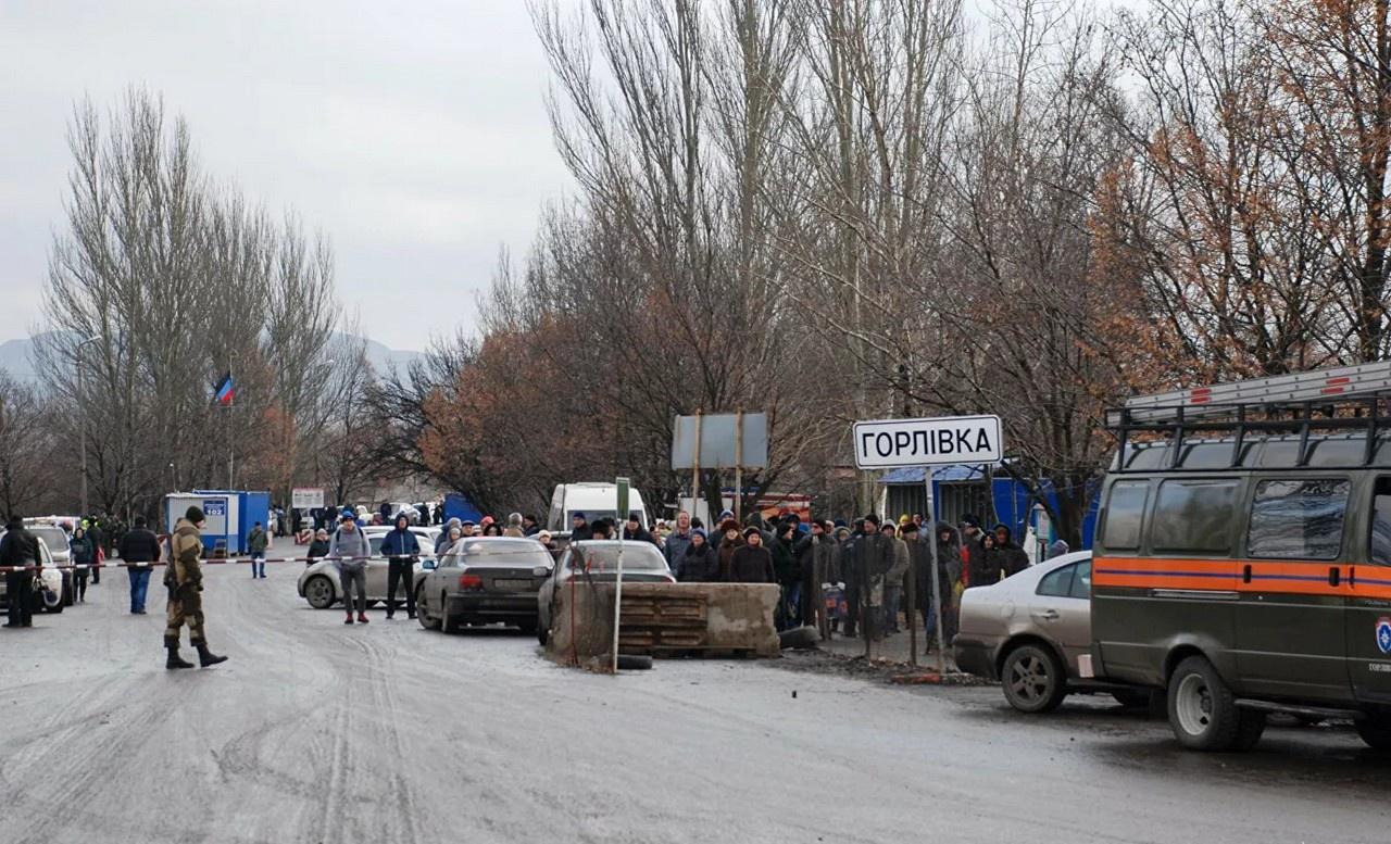 НАТО как бы семафорит Украине свою поддержку в гражданской войне в Донбассе - вы только начните и помощь от НАТО придёт.