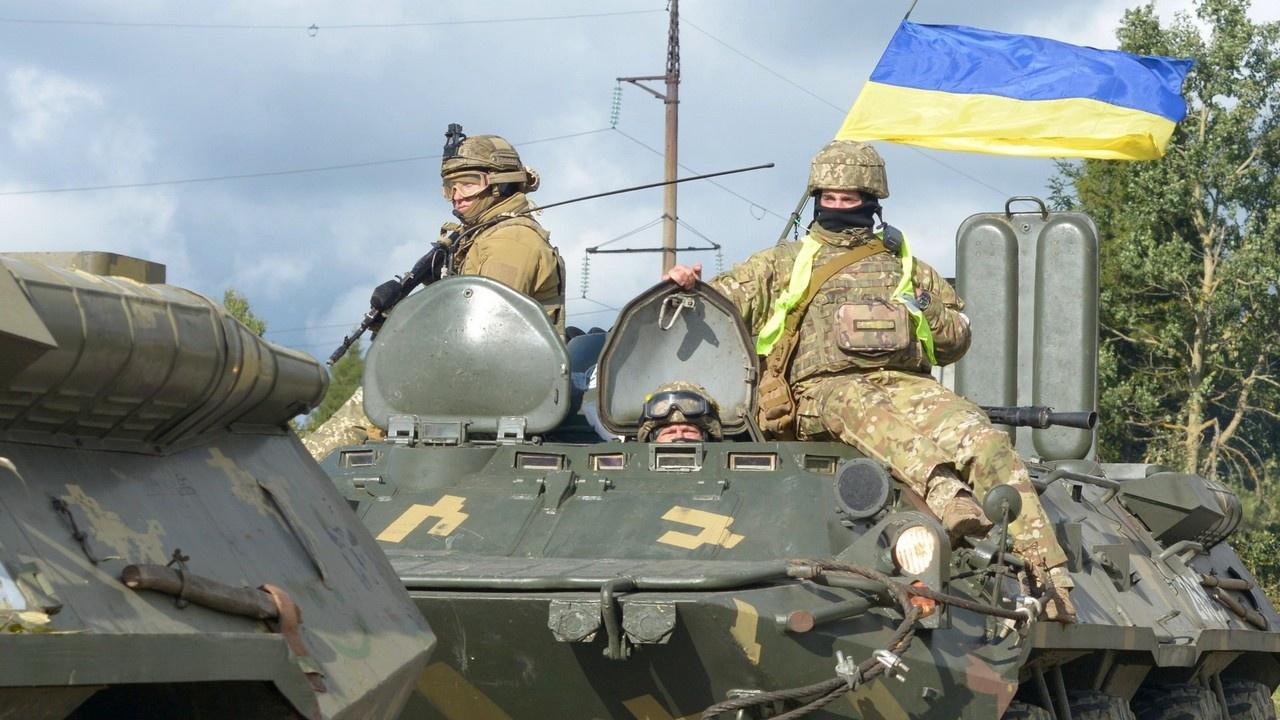 НАТО подталкивает Киев к войне в Донбассе
