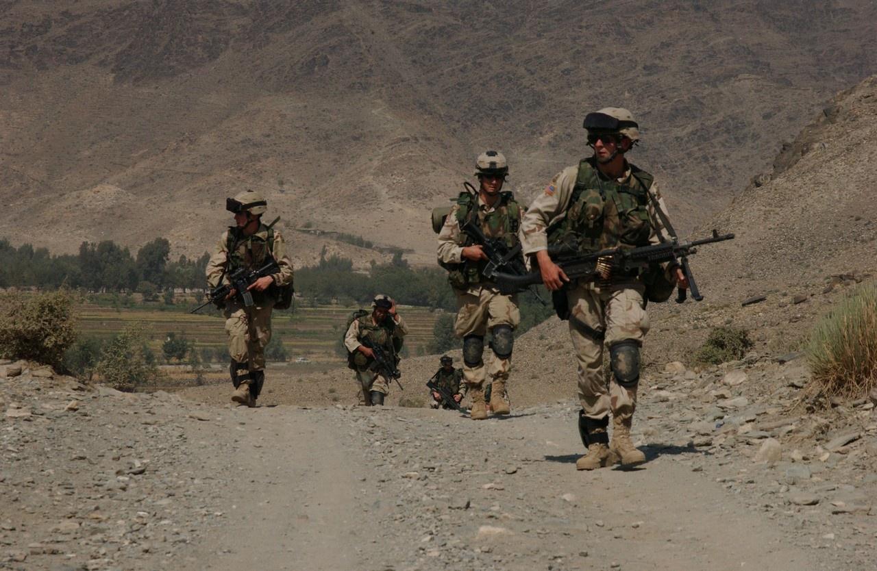Минувший с подписания договора год американцам был удобен, Талибан* выполнял соглашение и по американским солдатам не стрелял.