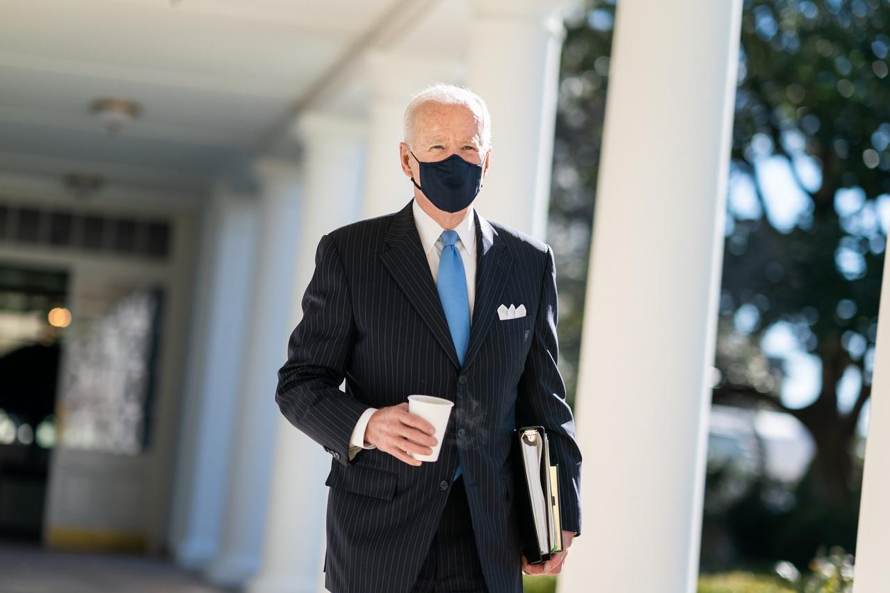 Джо Байден заявил, что США будет сложно выполнить обязательство вывести все свои войска из Афганистана до 1 мая.