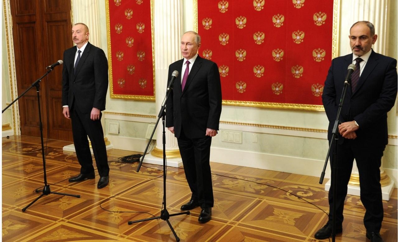 11 января в Москве по инициативе президента России Владимира Путина состоялась его встреча с президентом Азербайджана Ильхамом Алиевым и премьер-министром Армении Николом Пашиняном.