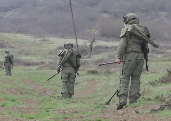 Чтобы предотвратить беду, ежедневно на боевую работу выходят сапёры российского миротворческого контингента.