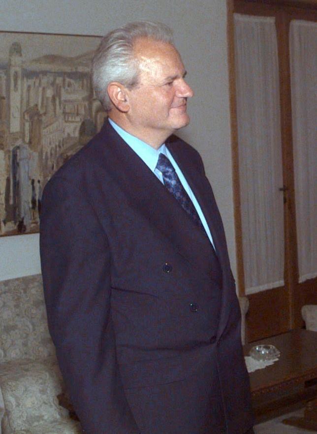 Бывший президент Слободан Милошевич уничтожил собственную страну и очень хотел «на бис» вместе с Сербией ещё раз попытаться загубить Россию.