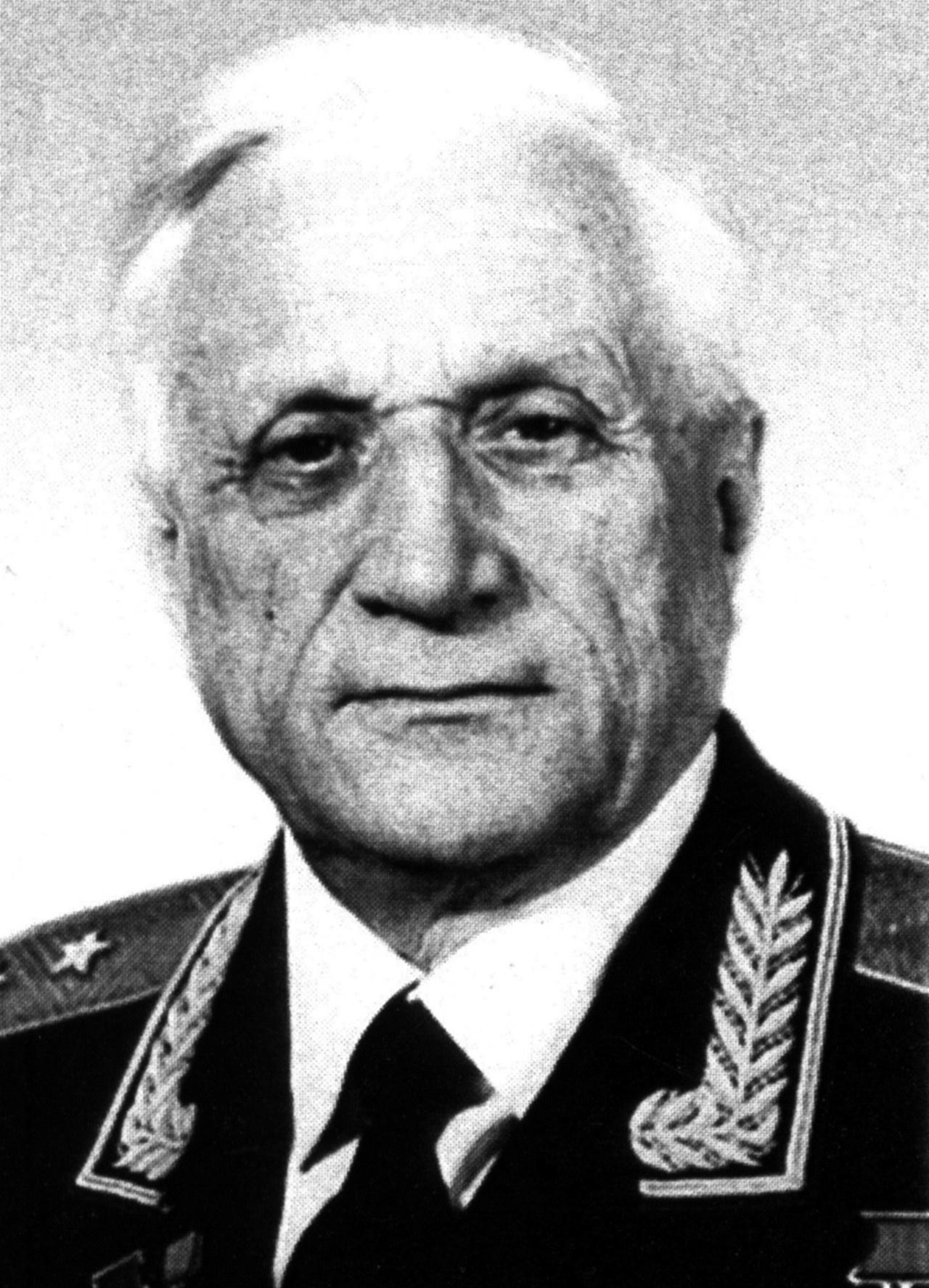 Генерал-лейтенант Юрий Мозжорин.