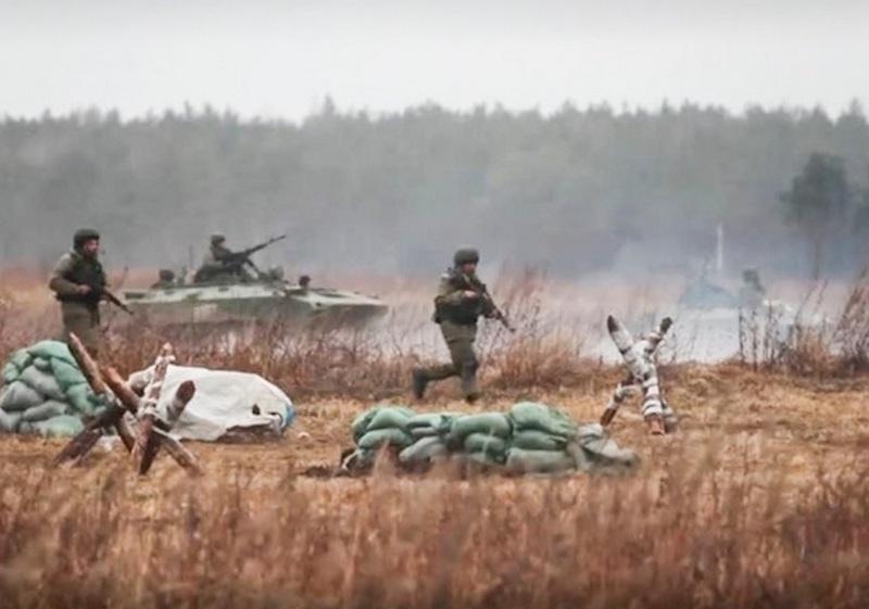 Личный состав соединений и воинских частей Воздушно-десантных войск приступил к практическим занятиям в пунктах постоянной дислокации и военных полигонах в рамках контрольной проверки за зимний период обучения.