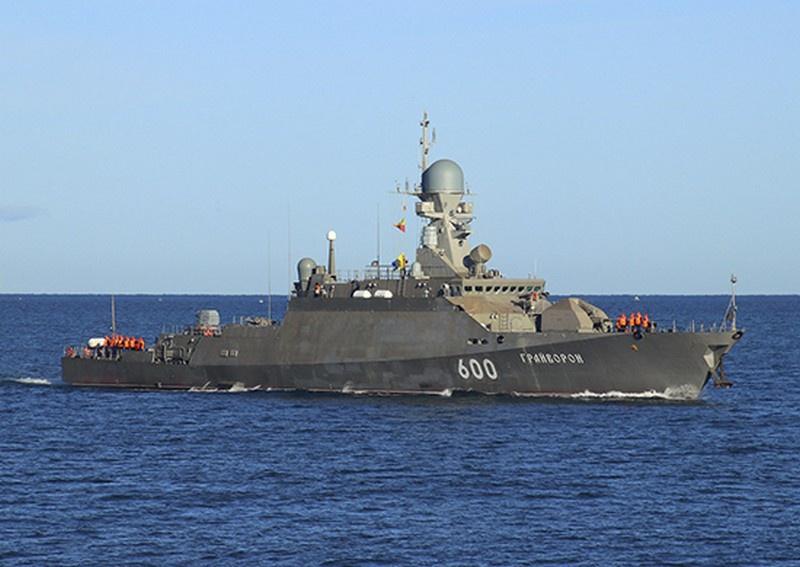 Малые ракетные корабли «Грайворон» и «Вышний Волочек» Черноморского флота (ЧФ) провели артиллерийские стрельбы в море по надводной цели в рамках контрольной проверки за зимний период обучения.