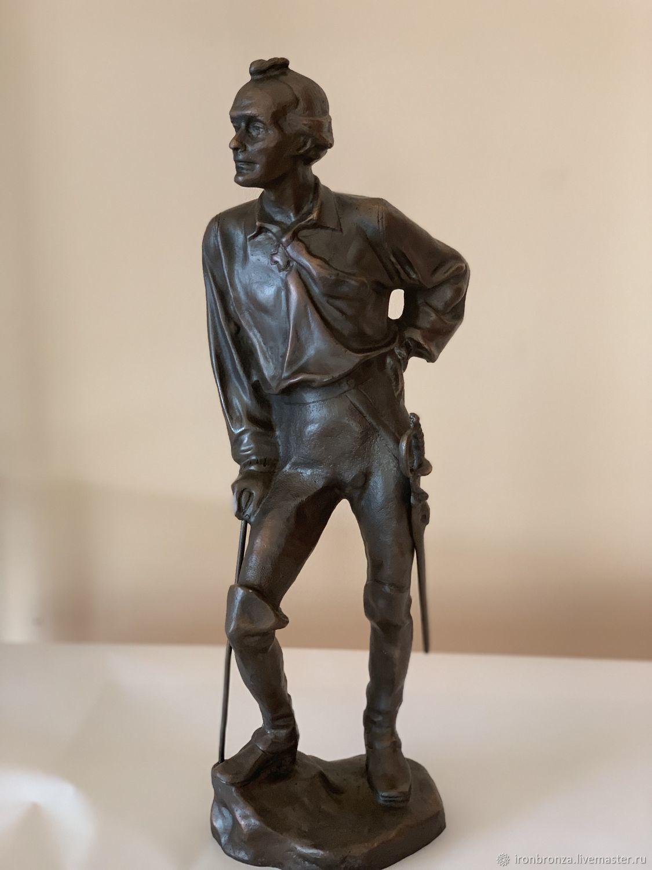 Статуэтка 40-см 5-кг (бронзовая) Суворова работы ленинградского скульптора А.Н. Теплова, 1964.