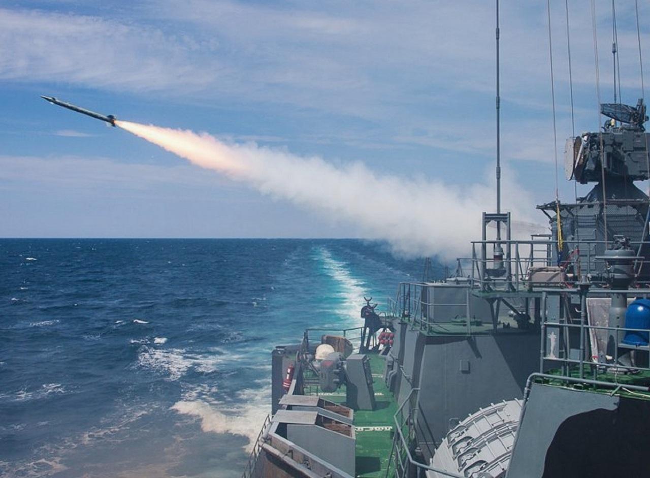 Корабельный ракетный удар.