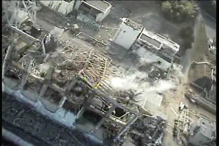 Энергоблоки «Фукусимы-1» после взрыва.