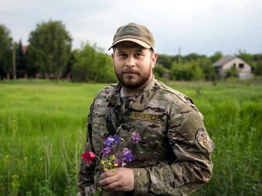 В настоящее время Дэвид Плэестер служит в Нацгвардии инструктором тактической медицины и, кроме того, «обучает» украинских подростков английскому языку в русофобском проекте «Борщага без быдла».