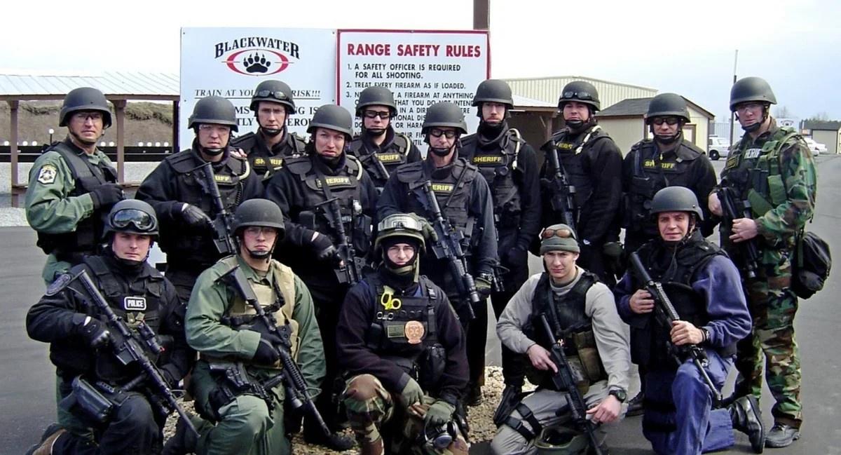 «Международный кодекс поведения для частных поставщиков услуг безопасности» был подписан 9 ноября 2010 г. наиболее крупными частными военными и охранными компаниями, в том числе и Academi, пришедшей на смену печально известной Blackwater.