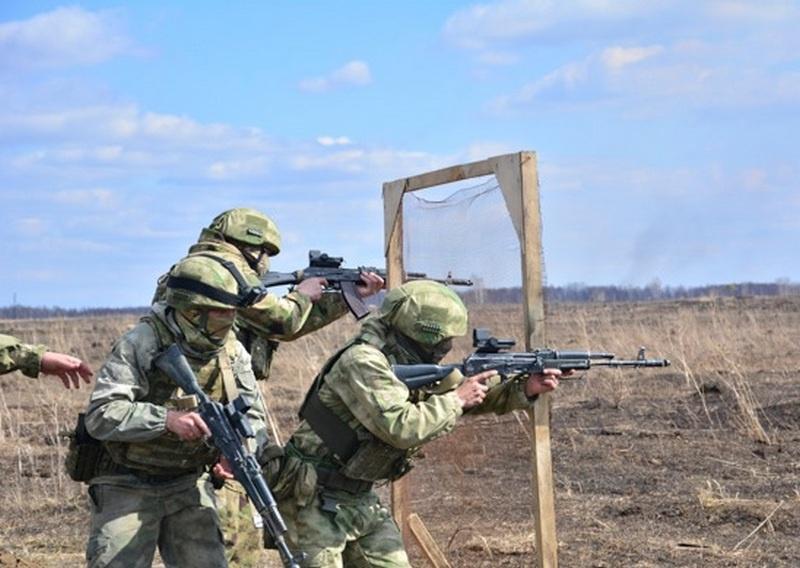 Разведчики ЦВО провели комплексные учения в Сибири.