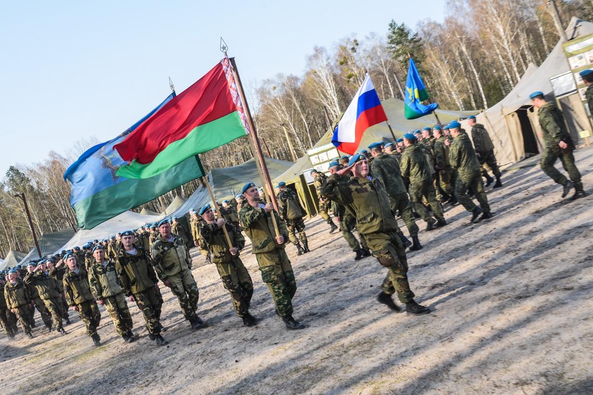 Подразделения десантников ежегодно принимают участие в совместных учениях.