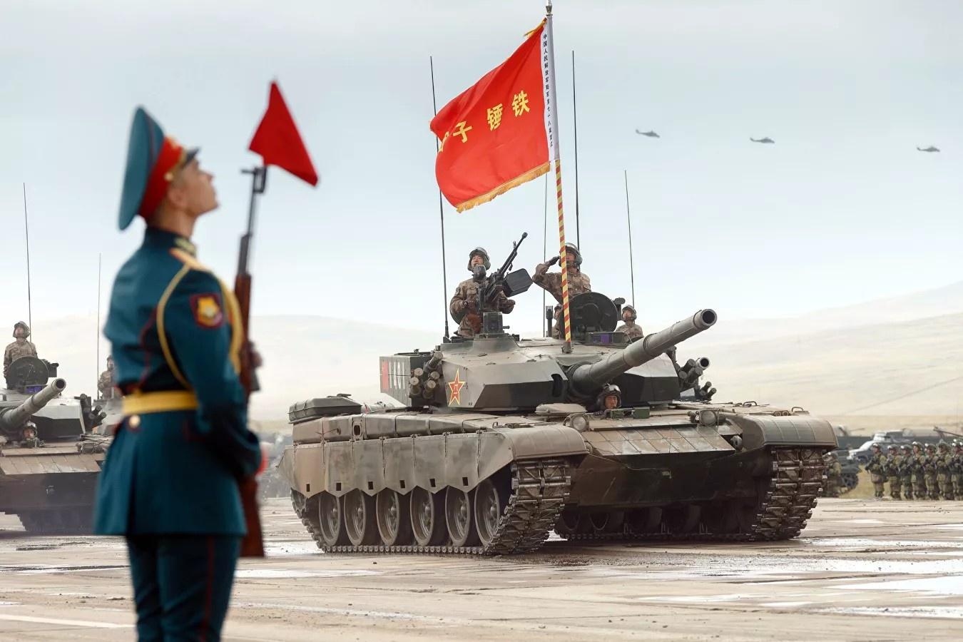 Вместе с Китаем Россия вообще способна загнать США на их собственный континент.