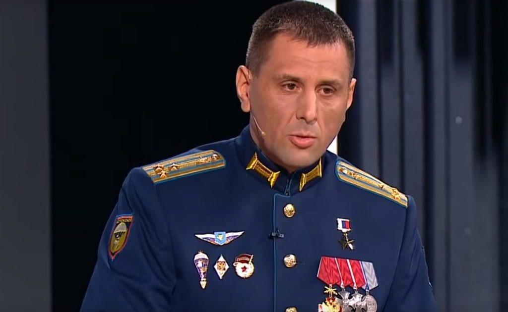 Гвардии полковник Герой России Владимир Селивёрстов.