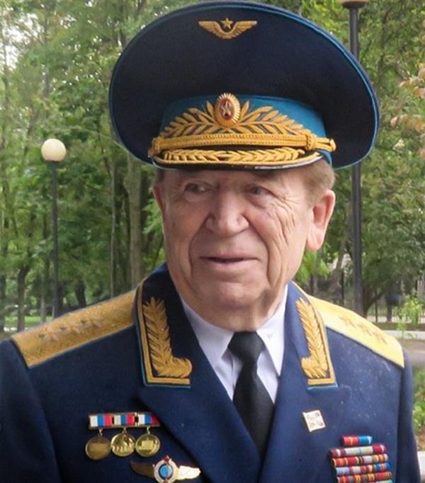 Первый командующий Военно-космическими силами России генерал-полковник Владимир Леонтьевич Иванов.